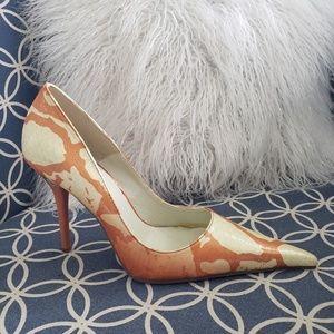 NWOT heels sz 9 Michael Antonio